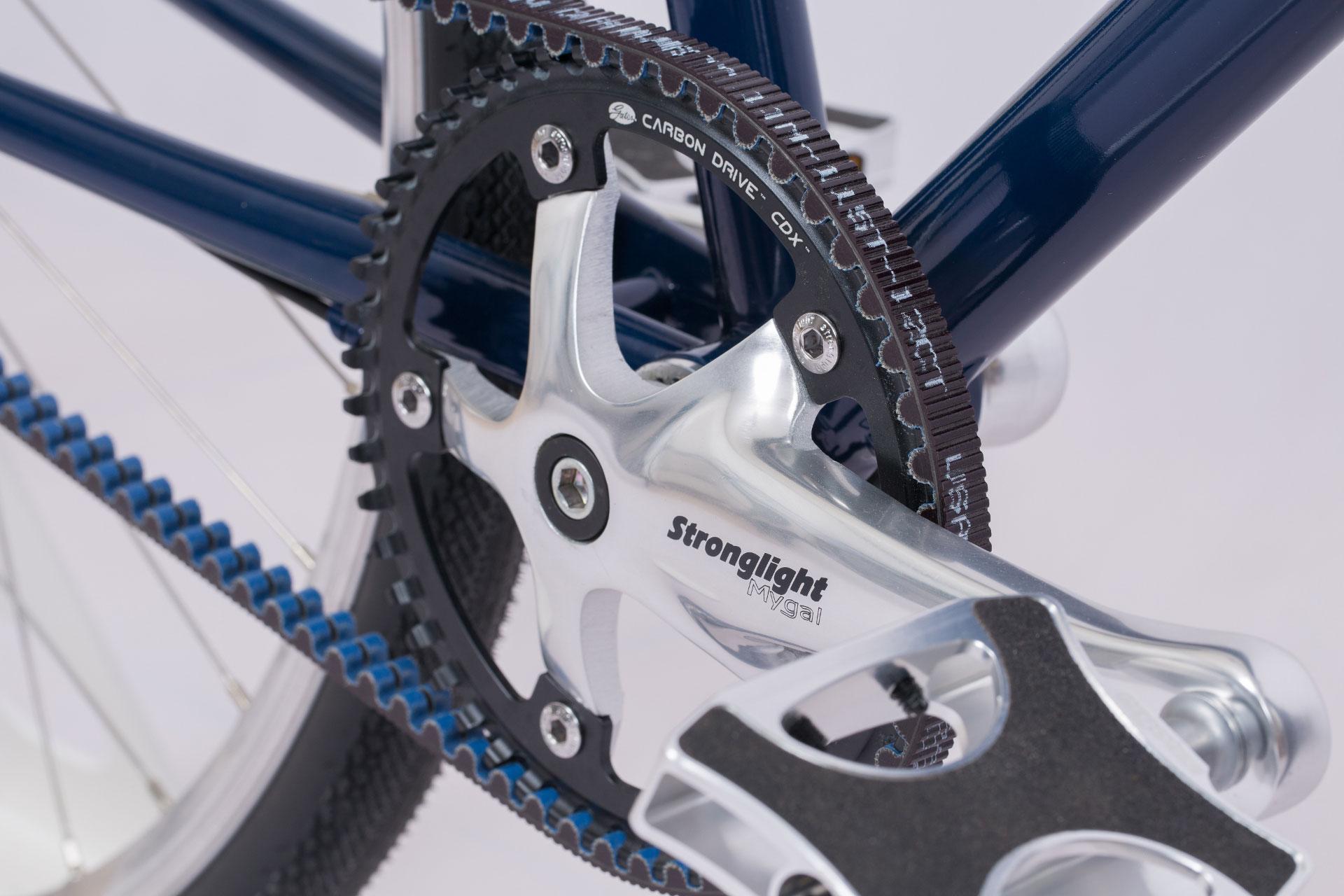 Vélo transmission par courroie